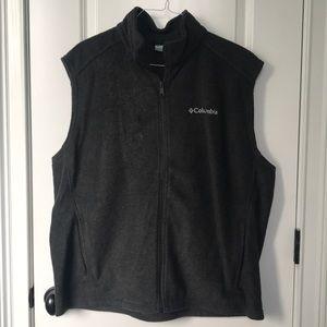 Men's Columbia gray vest